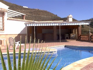 Finca Carmona - Ferienhaus mit Swimmingpool und Blick in die Berge und auf´s weite Meer
